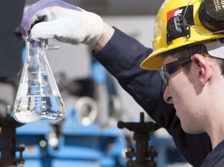 Уникальная добавка каталитического крекинга флюидов Evolve™ для нужд нефтеперерабатывающих заводов