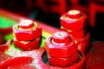 Почему качество крепежа так важно? Риски и последствия